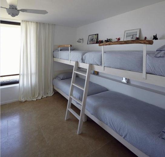 The Contemporary Buenos Mares Villa in Uruguay (19)