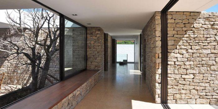 The Contemporary Buenos Mares Villa in Uruguay (20)