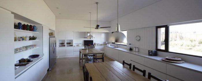 The Contemporary Buenos Mares Villa in Uruguay (21)