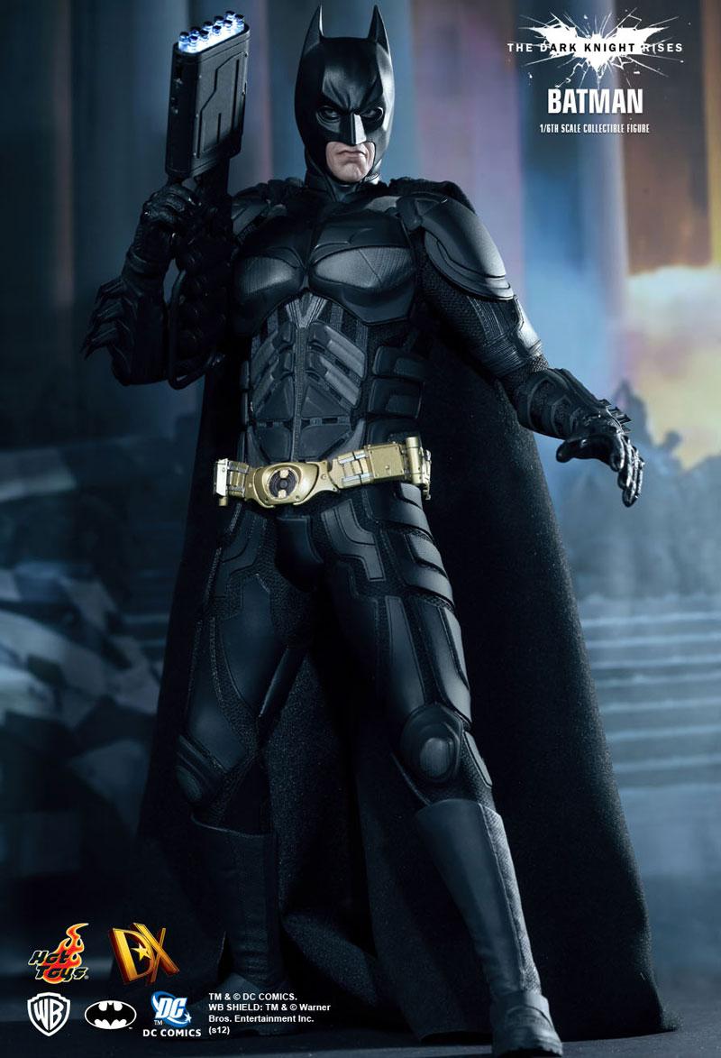 Batman-Bruce Wayne Luxury Collectible Figure by Hot Toys (1)