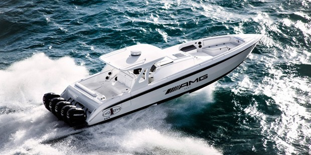 Cigarette Huntress Luxury Boat by Mercedes-Benz (12)