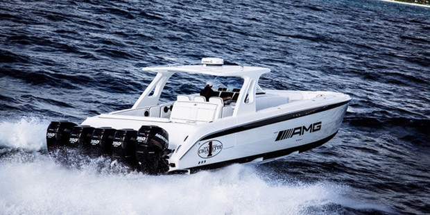 Cigarette Huntress Luxury Boat by Mercedes-Benz (11)