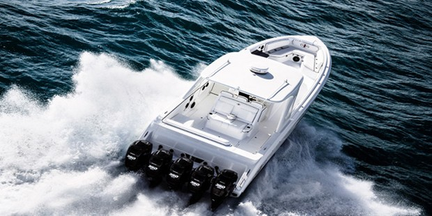 Cigarette Huntress Luxury Boat by Mercedes-Benz (9)