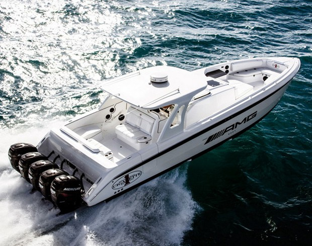 Cigarette Huntress Luxury Boat by Mercedes-Benz (8)
