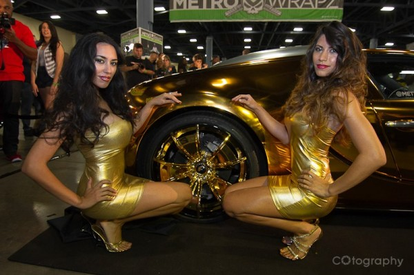 Golden Bugatti Veyron by Metro Wrapz for Flo Rida (2)