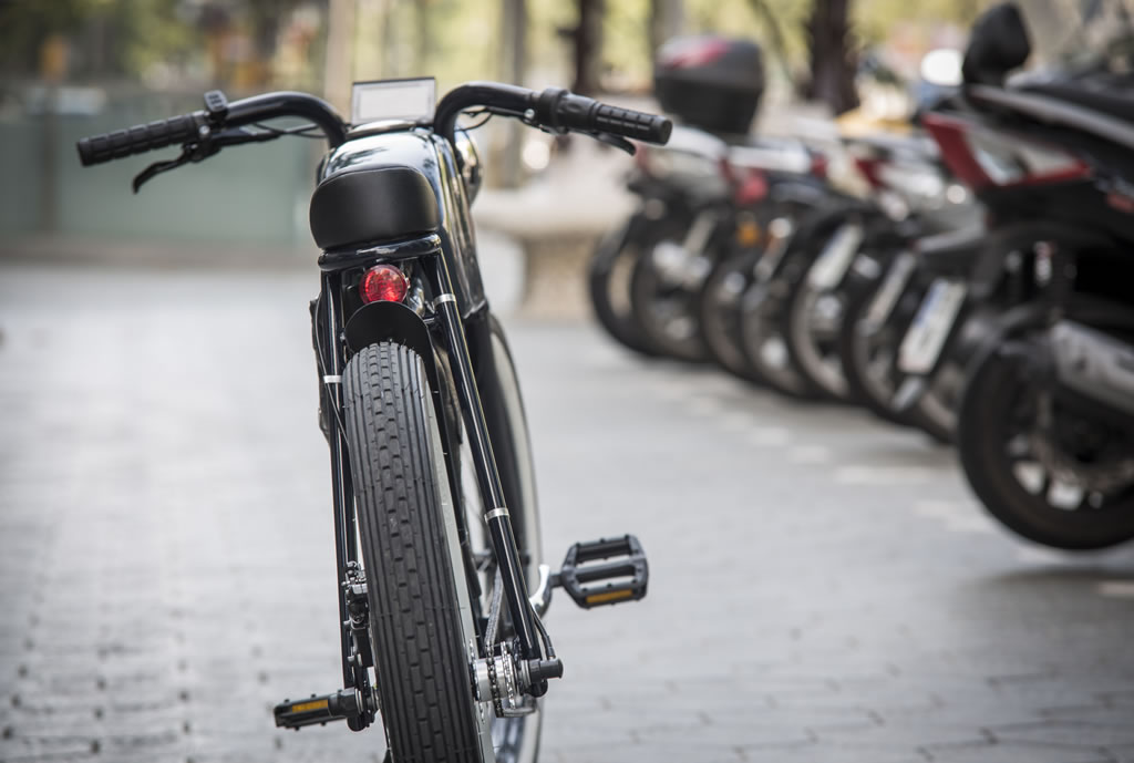 Cafe Racer-Inspired E-Bike By Otocycles (11)