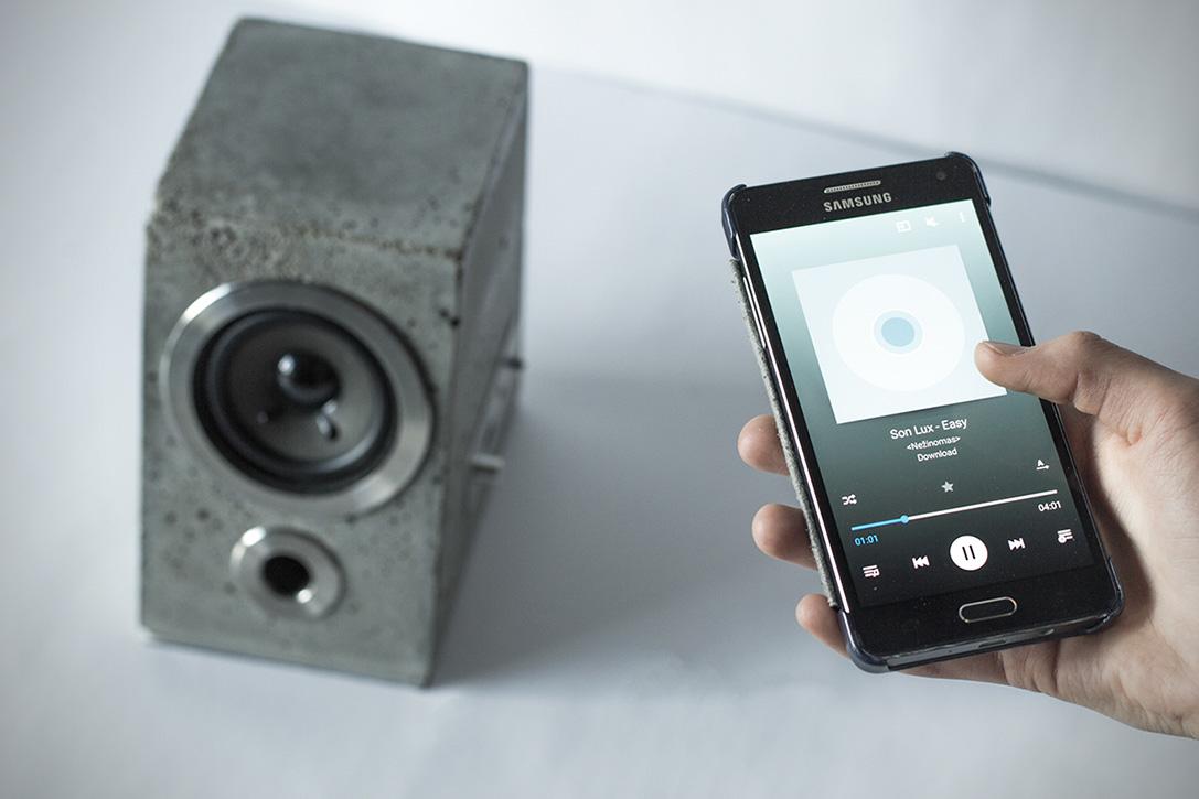 Tetrapod-Inspired Concretus Wireless Speaker (2)