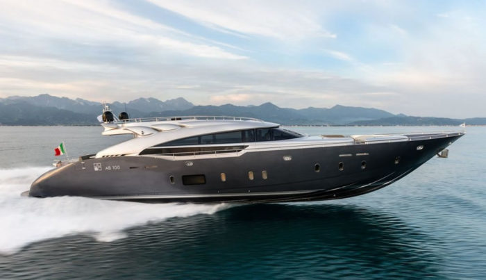 Gorgeous And Powerful AB-100 Spectre Yacht 1