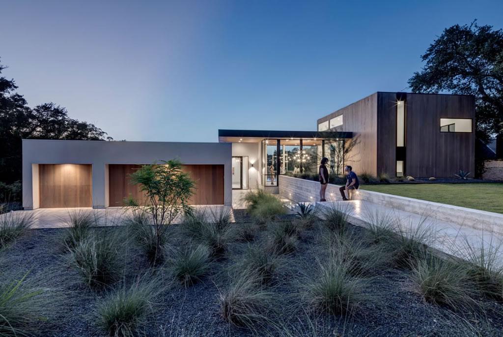 Splendid Home In Austin, Texas By Matt Fajkus Architecture 19