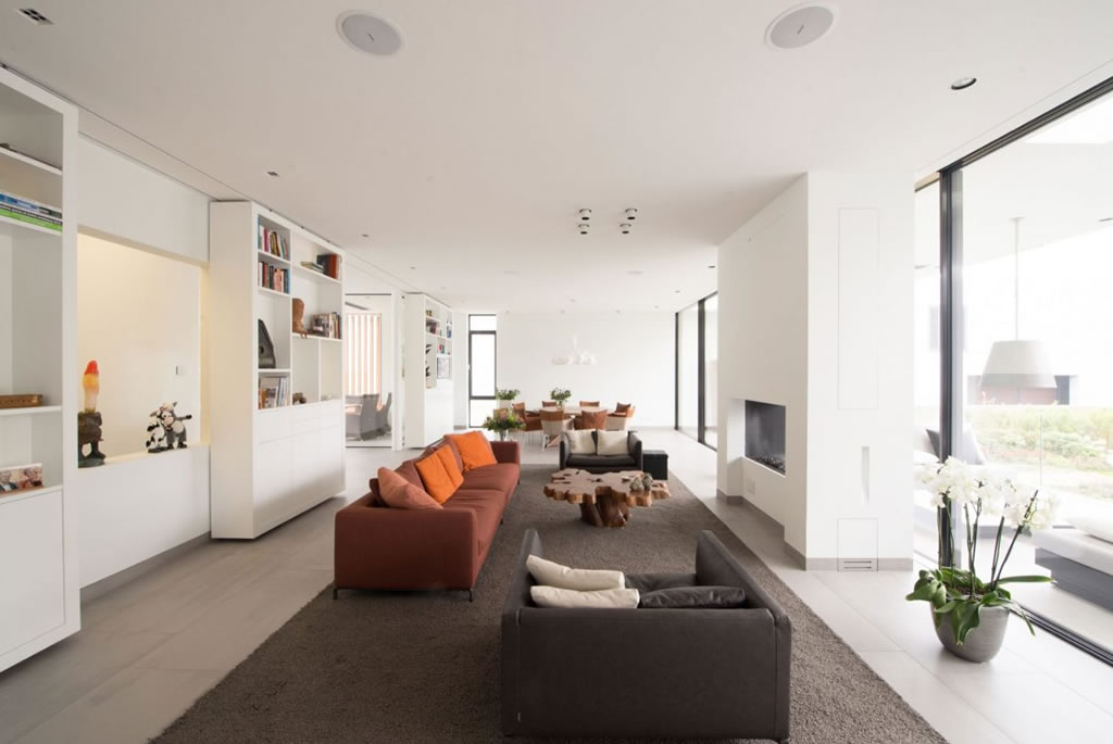 Modern Home In Weert, The Netherlands By Liag Architects 6