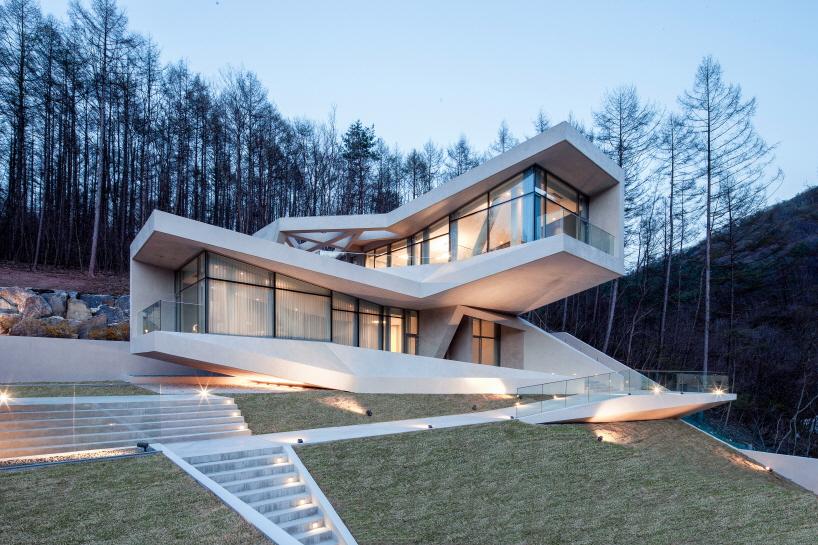 Fabulous Modern Home In Hongcheon, South Korea 11
